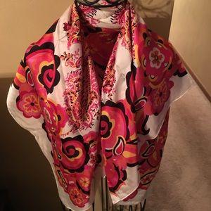 Adrienne Vittadini scarf never worn